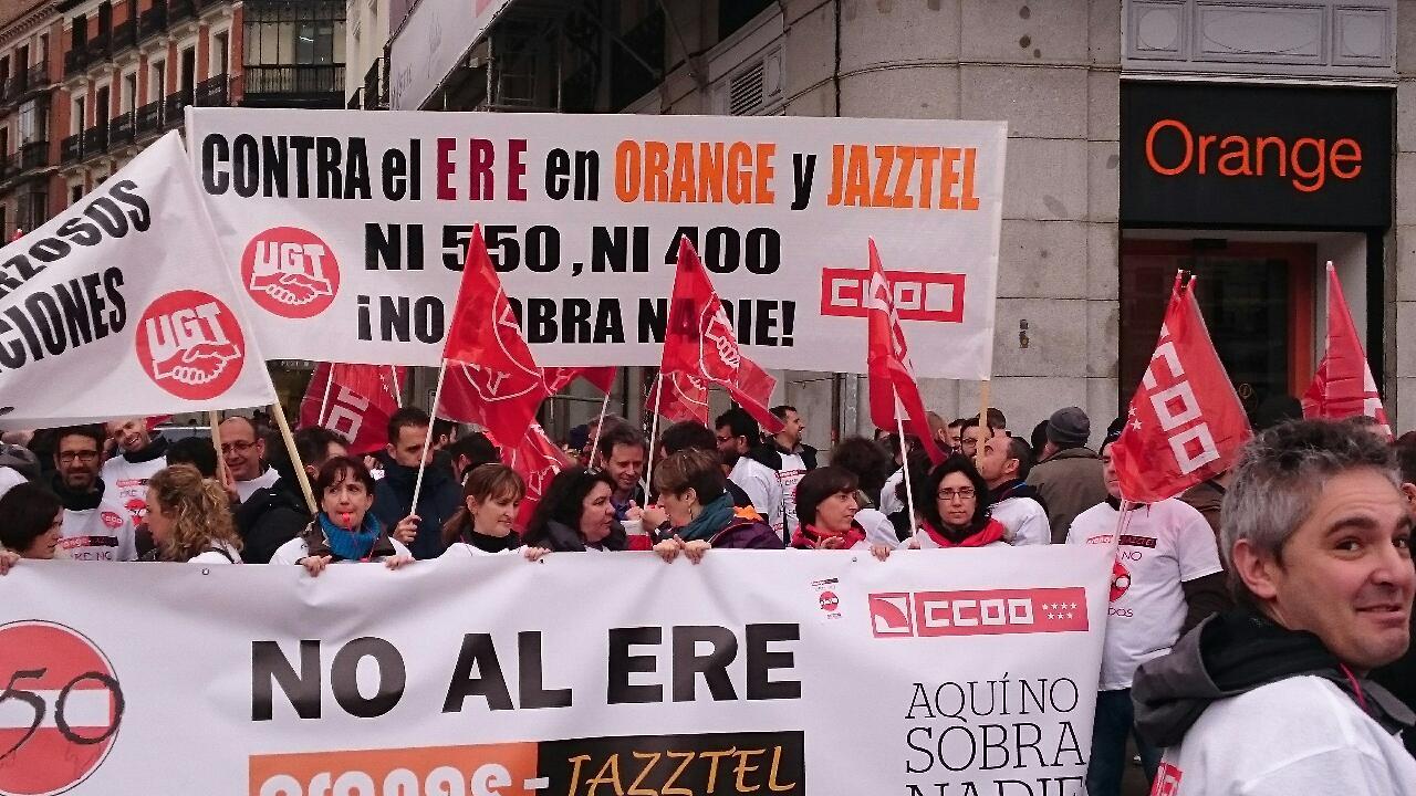 Manifestacion contra el ERE en Orange Foto2