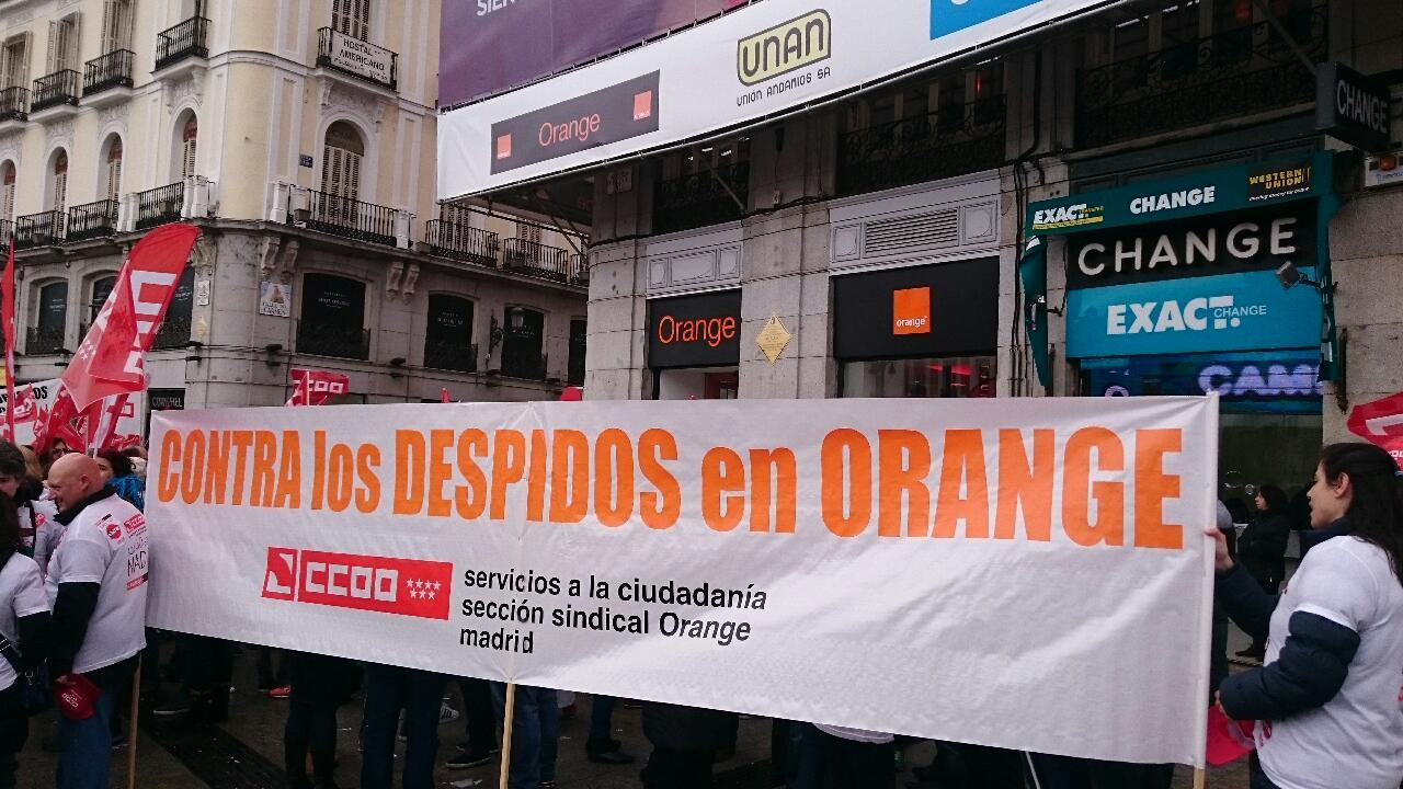 Manifestacion contra el ERE en Orange Foto3
