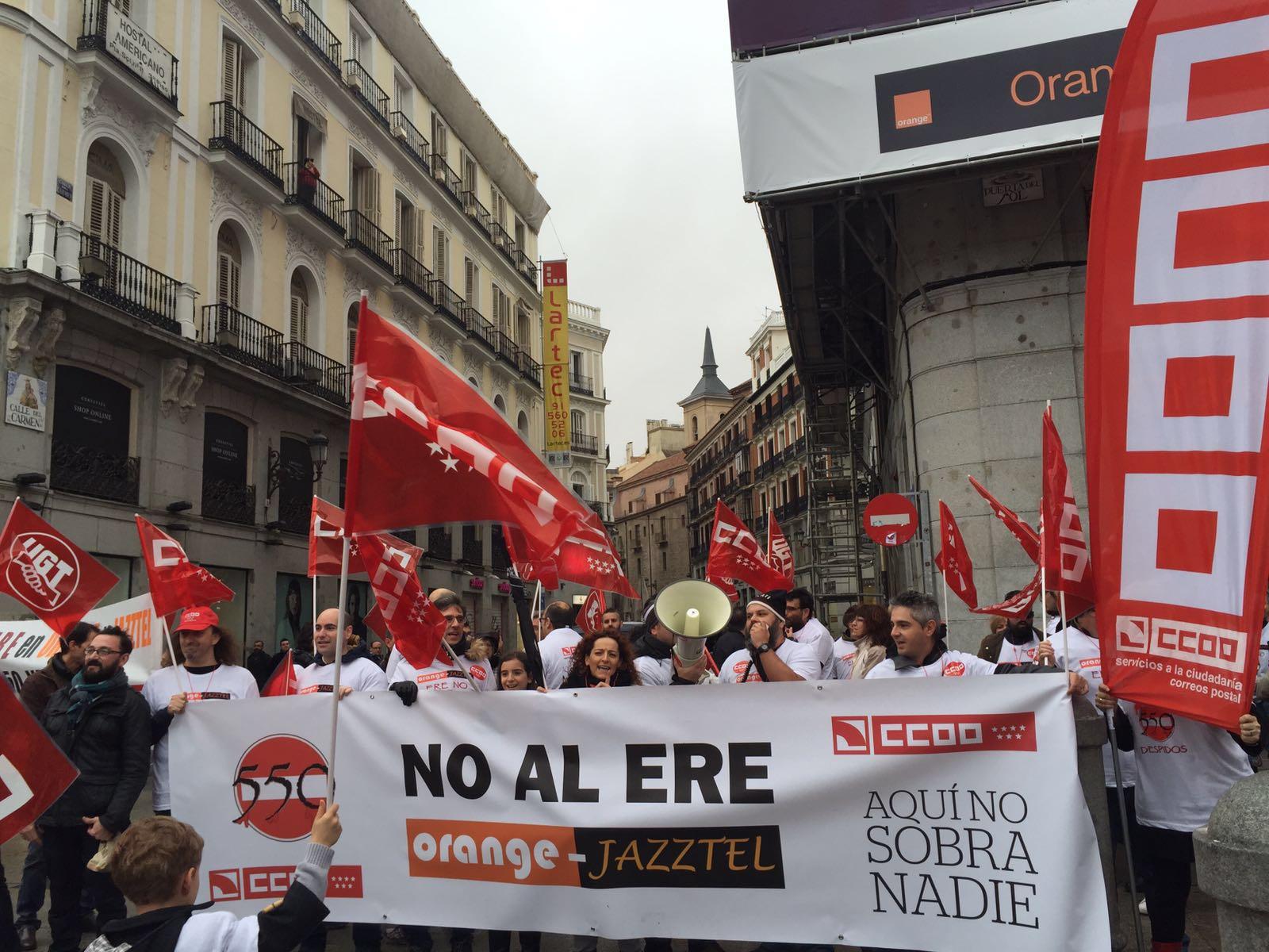 Manifestacion contra el ERE en Orange Foto4