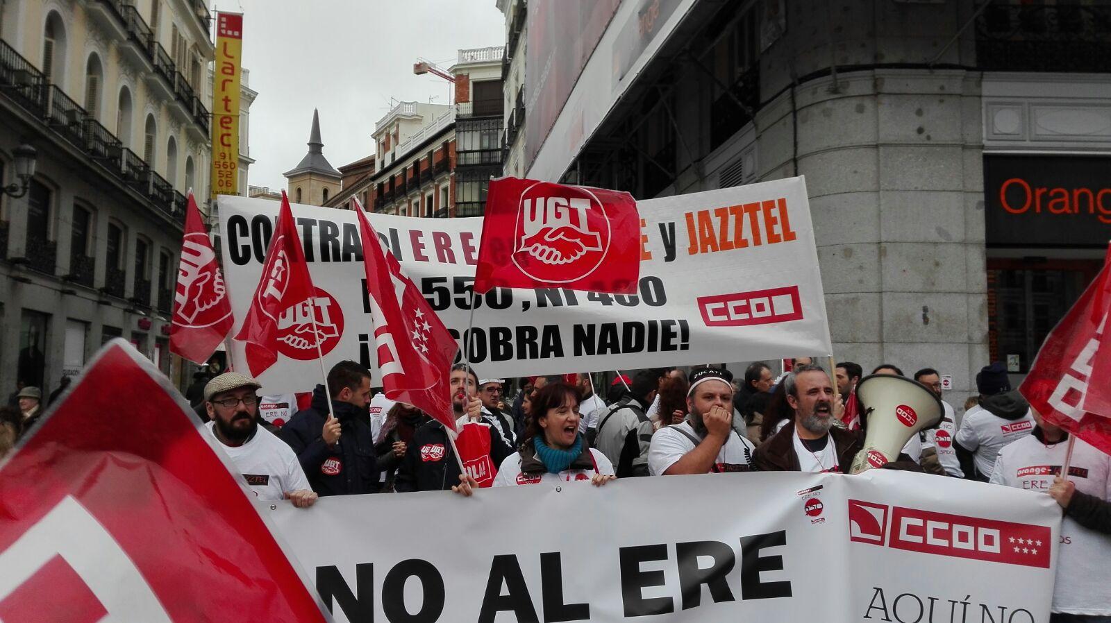 Manifestacion contra el ERE en Orange Foto6