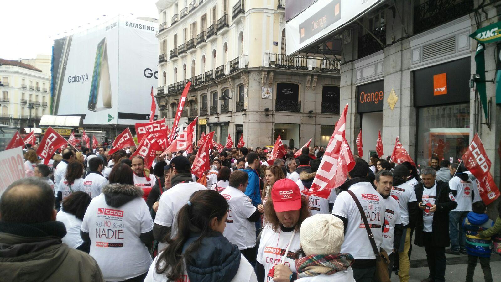 Manifestacion contra el ERE en Orange Foto7
