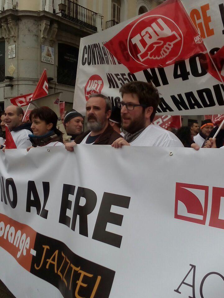 Manifestacion contra el ERE en Orange Foto8
